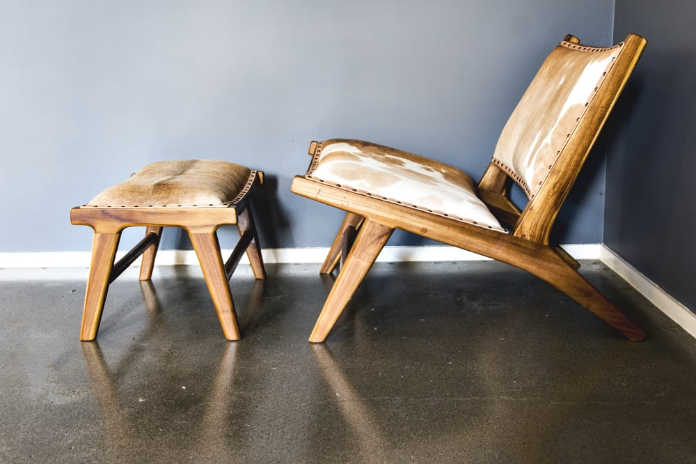 Marlboro Layback Chair And Footstool U2013 Tan And White Cowhide