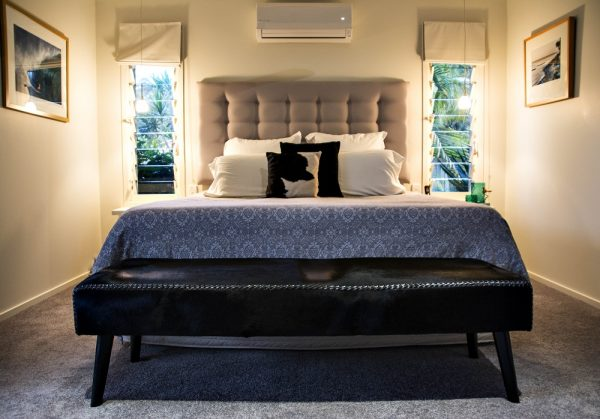 Cowhide Bench Seat Ottoman Black Loft Furniture