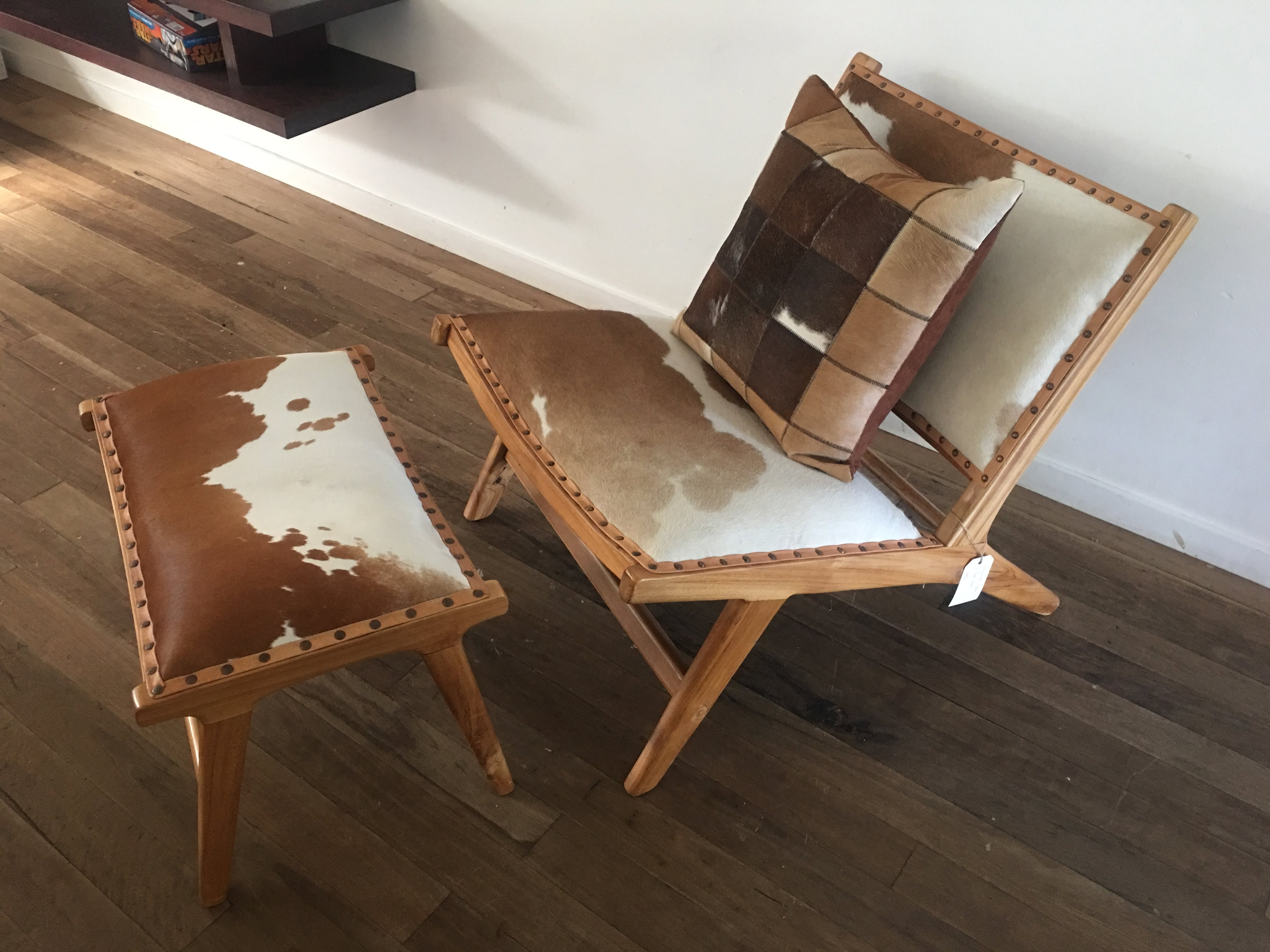 Outstanding Marlboro Layback Chair And Footstool Tan And White Cowhide Squirreltailoven Fun Painted Chair Ideas Images Squirreltailovenorg